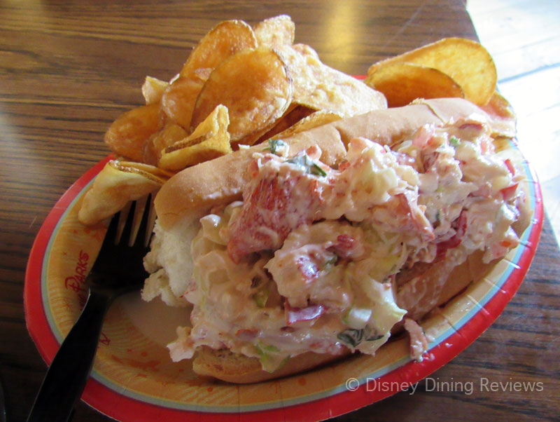 col-harb-house-lobster-roll-1