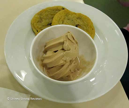 cp-din-yogurt.cookie-plate