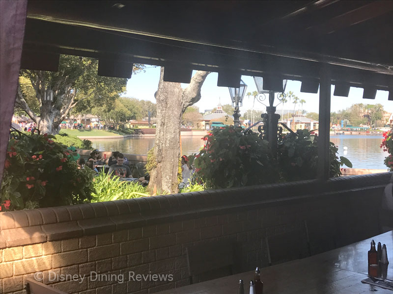rose-and-crown-outside-dining-area-view