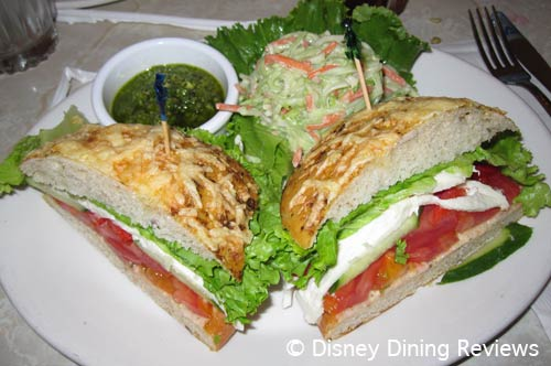 plaza-vegetarian-sandwich