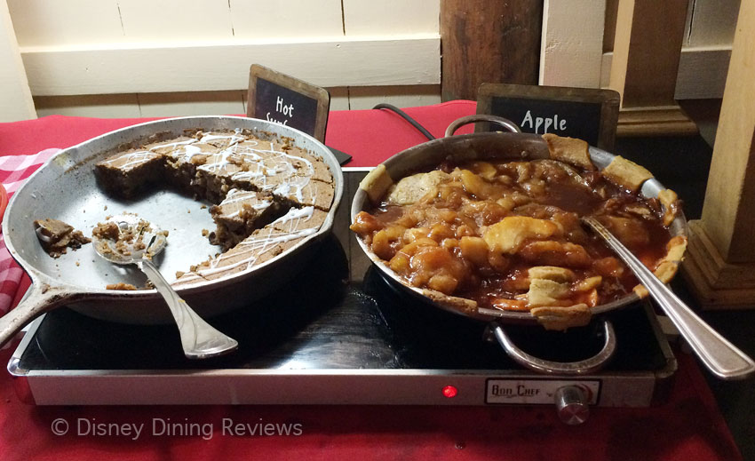 te-dinner-buffet-cobbler-bread-pudding